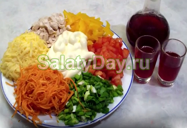 мясом картошкой с и жареной секторами Салат маринованным