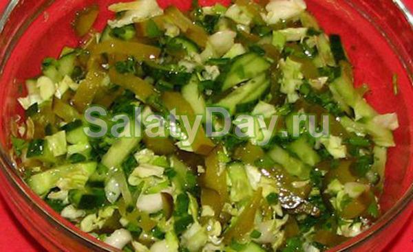салат из солёных огурцов и капусты