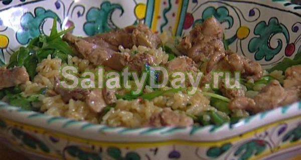 Салат с печенью трески и зеленым луком