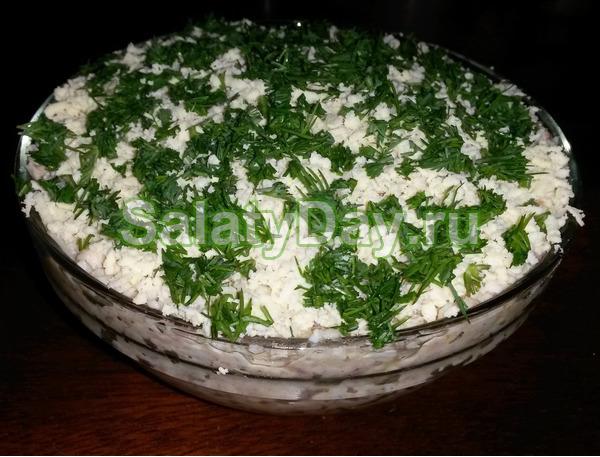 Салат с печенью трески и творогом