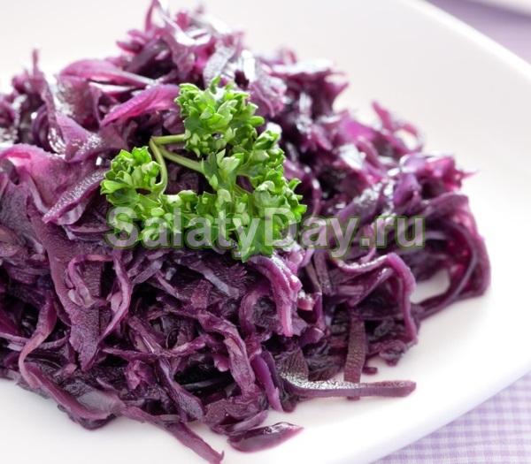 салат из краснокочанной капусты свежей с кукурузой