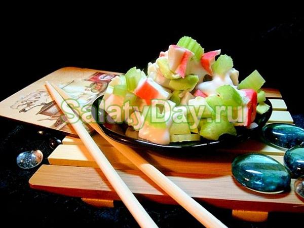 Салат из крабов и сельдерея