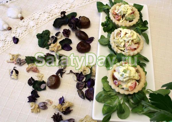 Салат из крабов с сельдереем и болгарским перцем
