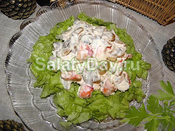 Грибной салат из крабов