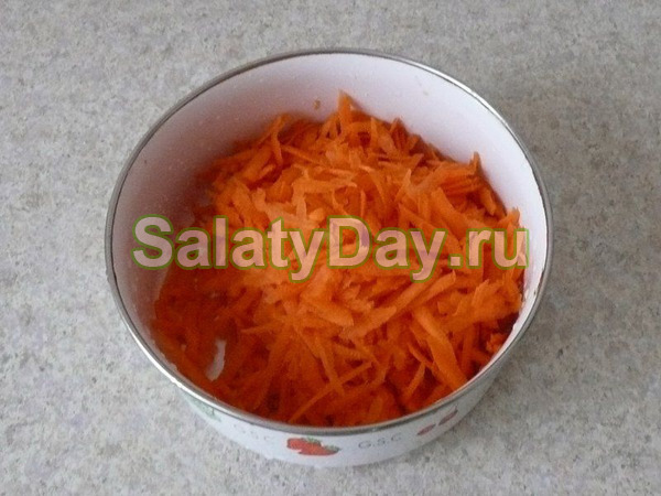 Салат из моркови и банана