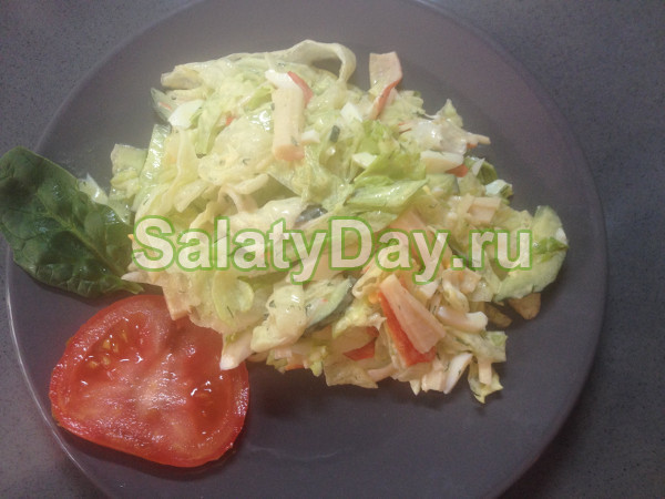 Салат «весенний» с крабовыми палочками
