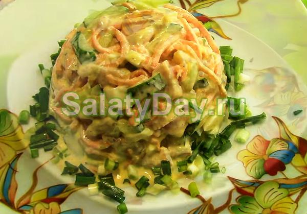 Салат Шедевр с корейской морковью и копченой курицей