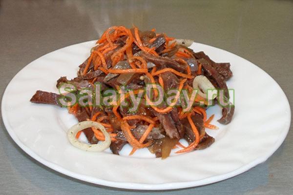 Салат из маринованных грибов с корейской морковкой