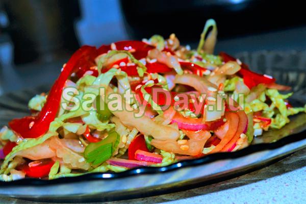 Салат со сладким перцем и сельдереем