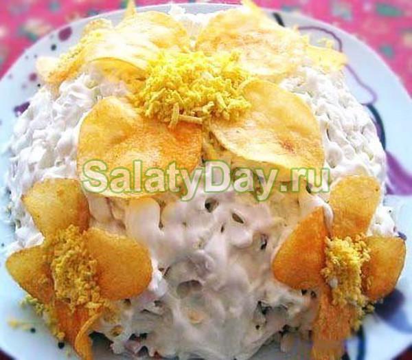Салат «Орхидея» с ветчиной, грибами и сыром