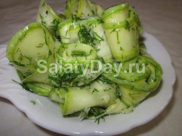 Рецепт зимних салатов из цветной капустой вместе с помидором и фасоль