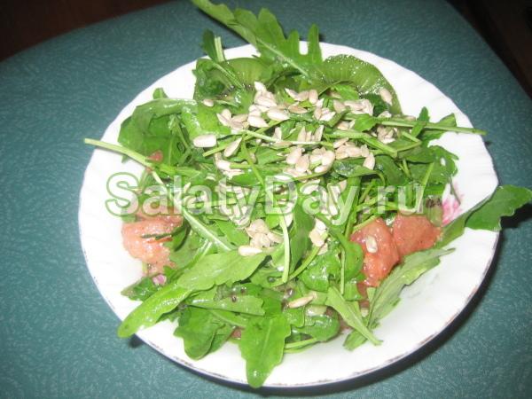 Салат с сёмгой и киви