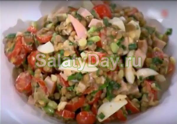 Чечевичный салат с перепелиными яйцами