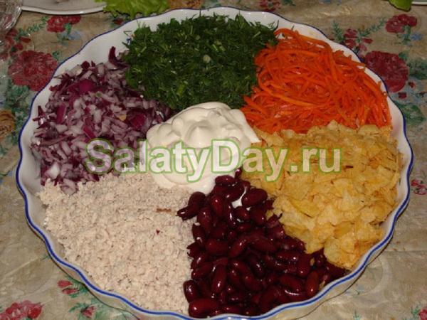 Салат «Цветик — семицветик» с красной фасолью