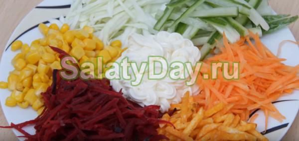 Салат «Цветик семицветик» с чипсами