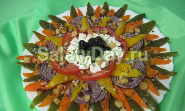 Салат «Цветик семицветик» с сыром «Фета»
