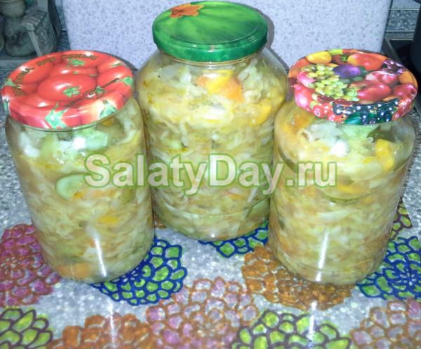 салат на зиму с огурцами и помидорами и капустой