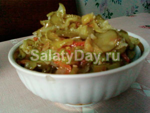 Огурцы по-корейски с жареными овощами