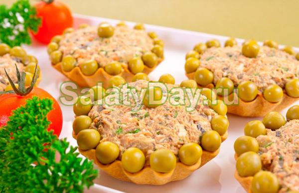 Салат из куриной печени в тарталетках
