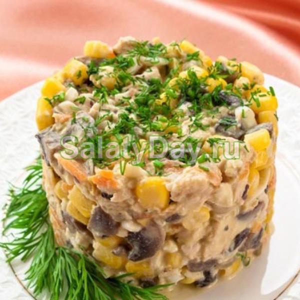 Салат с курицей грибами