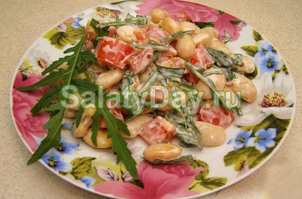 Салат с вареной фасолью «Пряный»