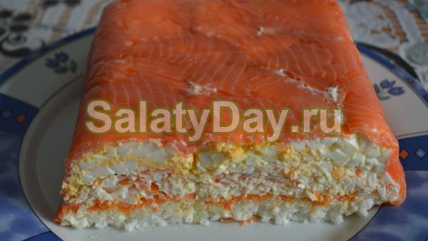 Салат «Слоеный» с красной рыбой