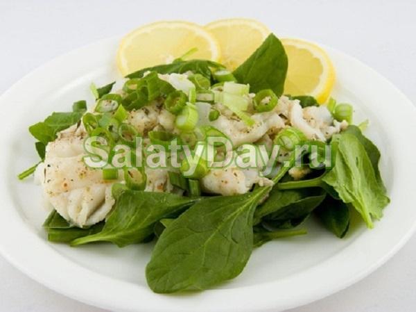 Салат из печени трески с кальмарами