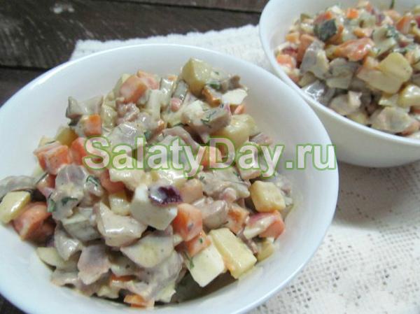 Салат из куриных желудков «Свежесть»