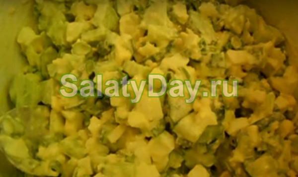 Салат из яиц с огурцами