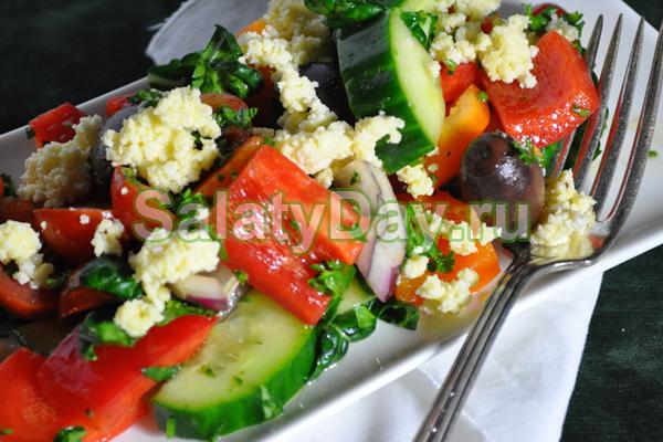 Картофельный салат с сыром «Фета» и оливками