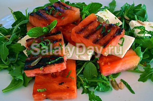 Салат с сыром «Фета» и жареным арбузом