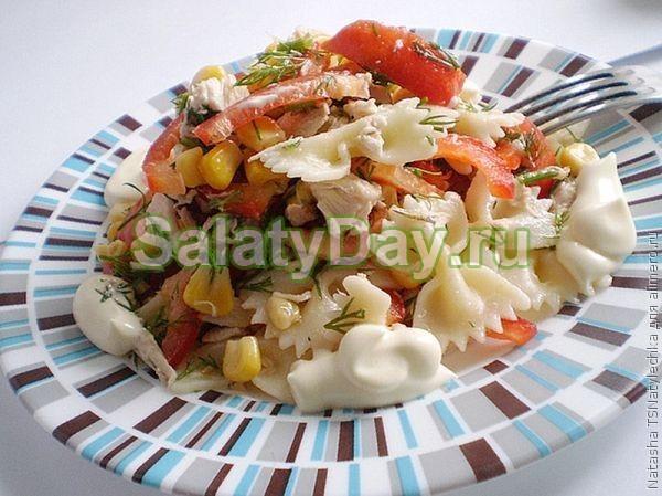 Салат из пасты, с сыром «Фета» и овощами