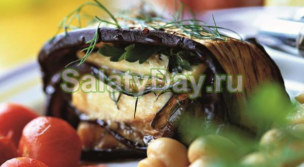 Бразильский салат с пряной свининой, баклажанами и сыром «Фета»