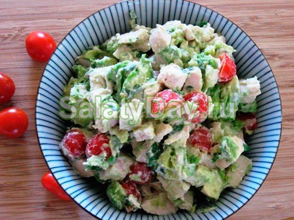 Салат из пупков куриных - с яблоками и авокадо