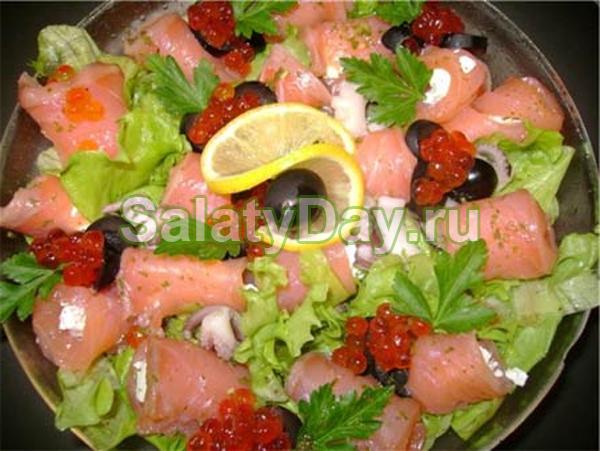 Праздничный салат из морских деликатесов
