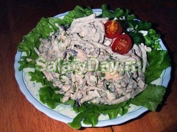 Салат из кальмаров консервированных и риса