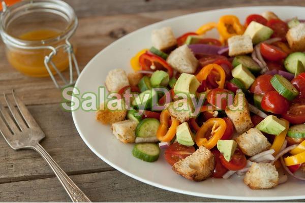 Салат на скорую руку – «Panzanella»