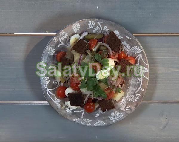 Новогодний картофельный салат с говядиной