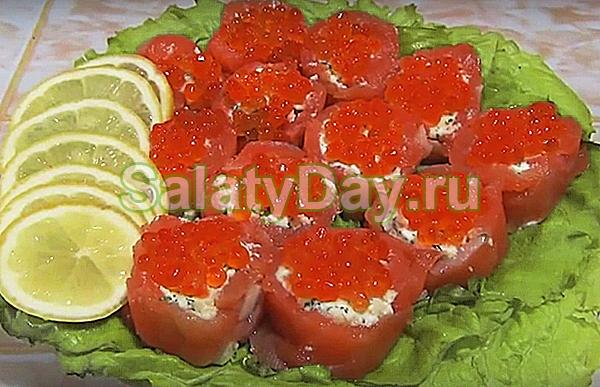 Новогодний салат из красной рыбы