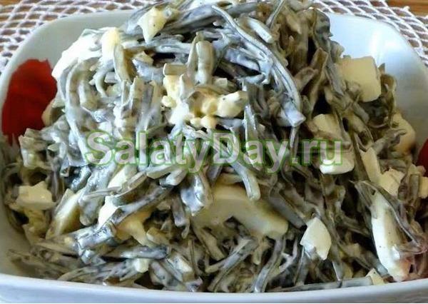 Салат из морской капусты с яблоками