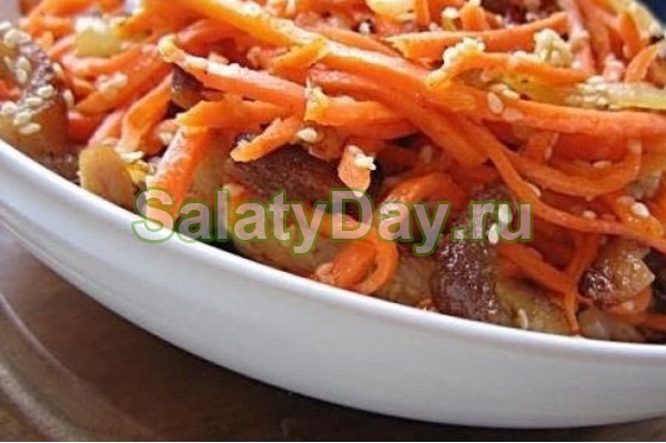 Салат с картофелем, копченым мясом и морковью по корейски