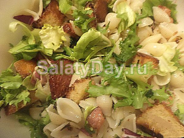 Охотничий салат с копченой колбасой рецепт