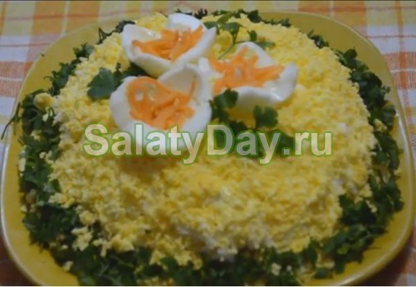 Салат с корейской морковью и курицей – «Бунито»