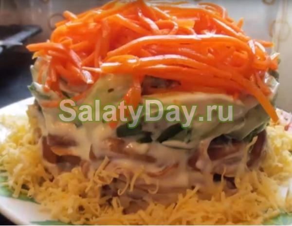 Салат с корейской морковью и курицей – «Хрустящий восторг»