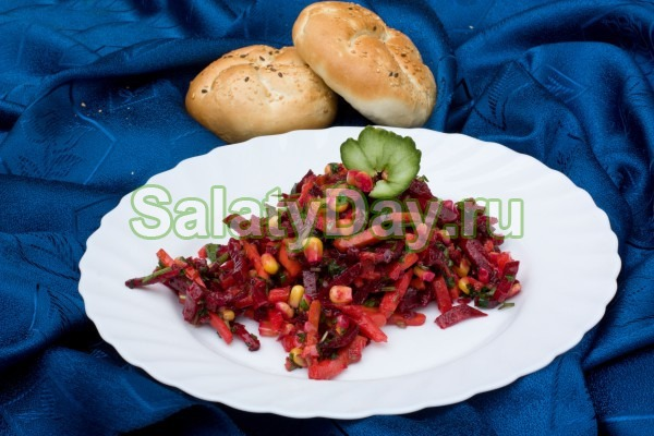 Салат слоями овощной с майонезом