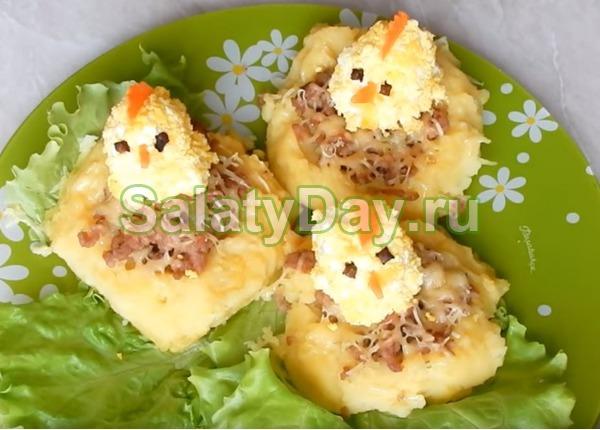 Салат «Картофельное гнездо с цыплятами»
