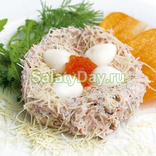 Салат «Гнездо морского петушка»