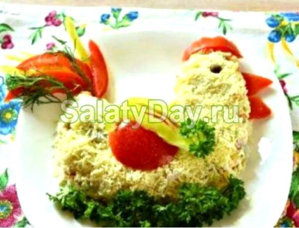 Салат «Петушок» с колбасой