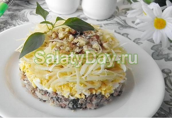 Салат из рыбных консервов «Принц»