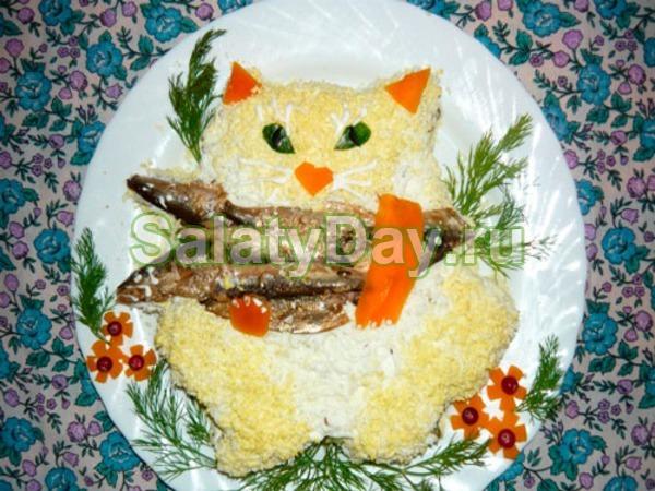 Салат из рыбных консервов «Кот на рыбалке»